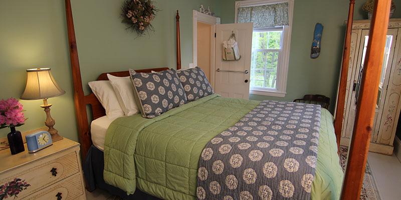 Room 2 Maine Kendall Tavern Inn BB | Freeport Maine