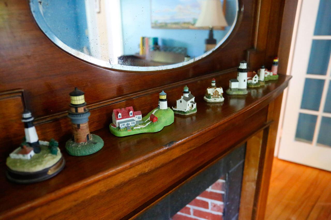 Lighthouse Living Room Kendall Tavern Inn BB | Freeport Maine