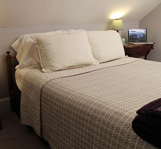 Room 5 Denvers Kendall Tavern Inn BB | Freeport Maine