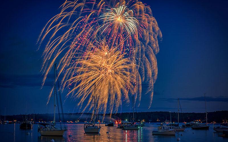 Midcoast Maine Fireworks Kendall Tavern Inn BB | Freeport Maine